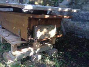 BienenKistenÜberfall_Ziegel