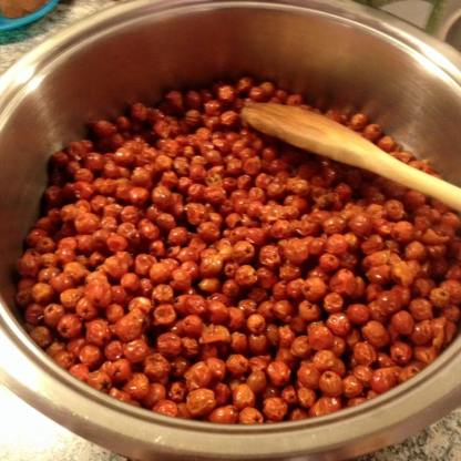 2 kg Früchte in ganz wenig Wasser gekocht -ca 10 min-